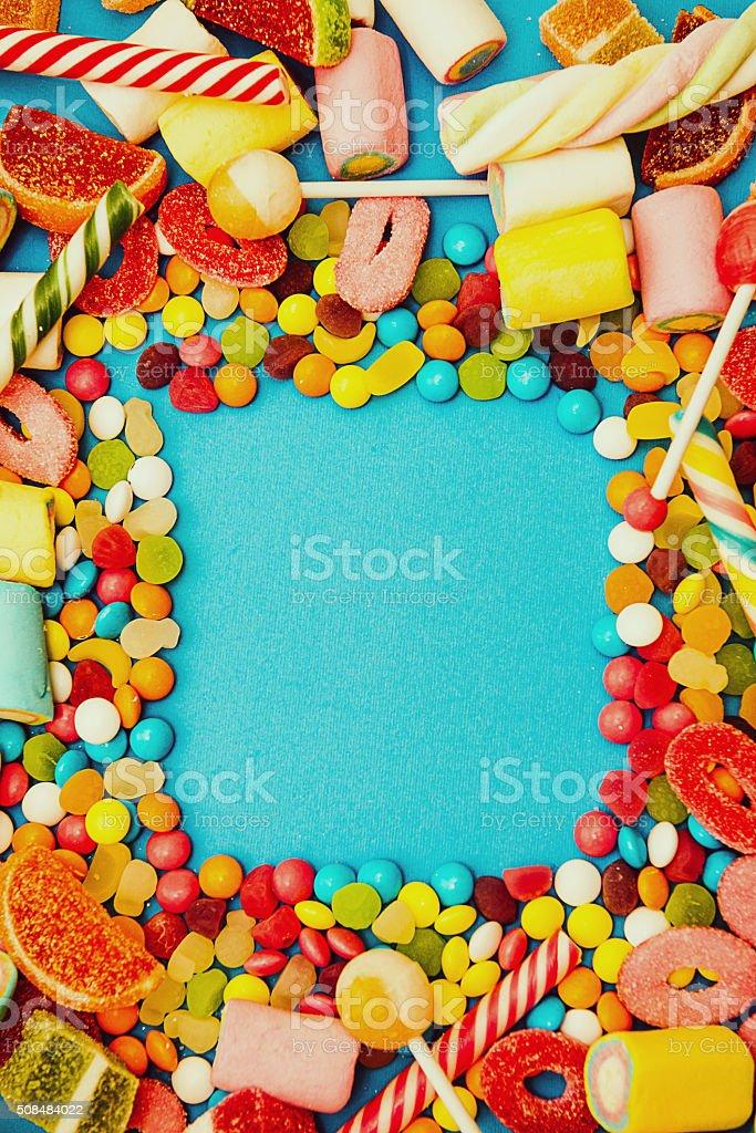 Halloween oder Christmas candy-sweet food-Konzept auf Blau – Foto
