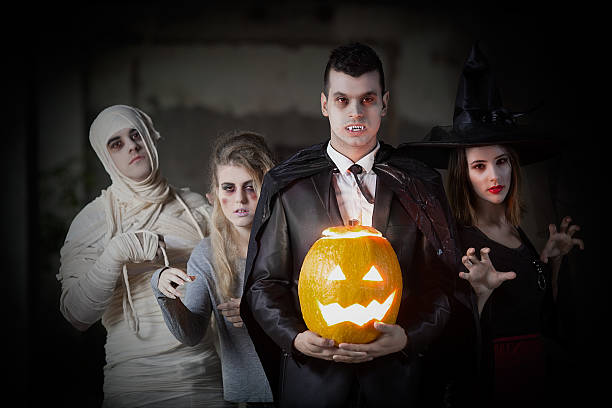 halloween-party - graf dracula stock-fotos und bilder