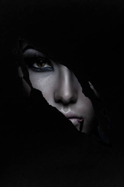 halloween - vampire femme photos et images de collection