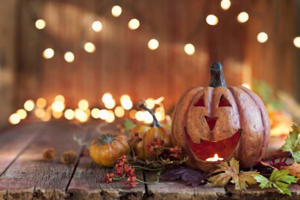 Halloween pumpkin against an old wood background picture id1032952614?b=1&k=6&m=1032952614&s=612x612&w=0&h=al8jt7gfgdnngmue xdtch6uswshaxmigozuh09wu0q=