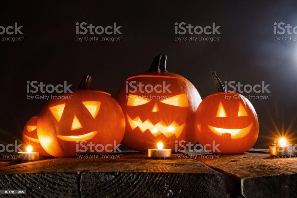 Pompoen En Halloween.Halloween Pompoen En Kaarsen Stockfoto En Meer Beelden Van