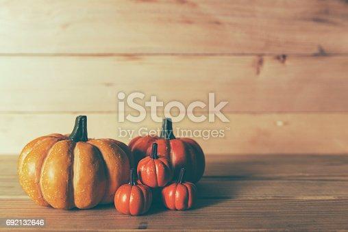 483328044 istock photo halloween pumpkin background 692132646