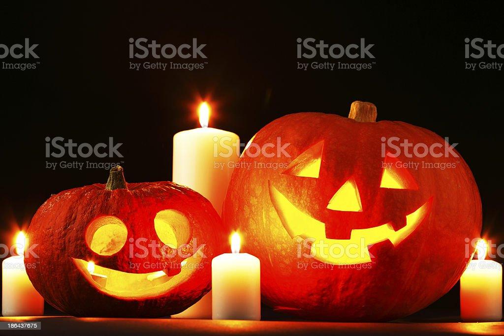Halloween pumpkins y velas - Foto de stock de Calabaza gigante libre de derechos