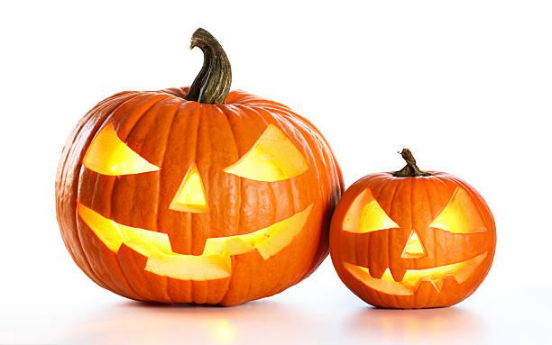 halloween pumpkins isolated on white - lanterna de halloween - fotografias e filmes do acervo