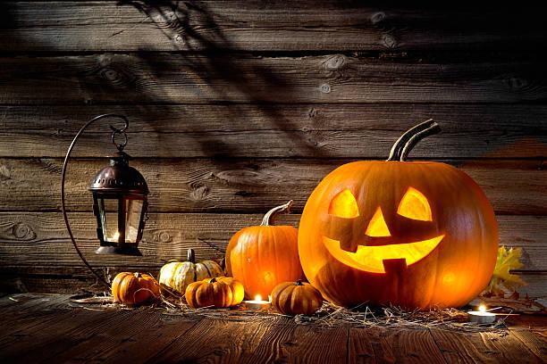 abóboras de halloween - lanterna de halloween - fotografias e filmes do acervo