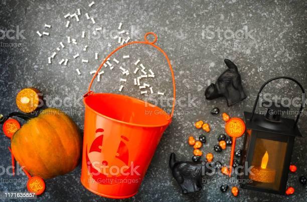 Halloween set picture id1171635857?b=1&k=6&m=1171635857&s=612x612&h=k2g6chphihtwezivjulqqy0r2ixcivxyvraeotkwdcm=