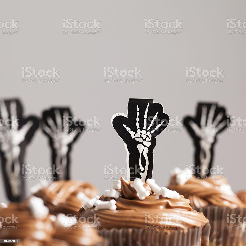 Halloween Skeleton tortine al cioccolato primo piano - foto stock
