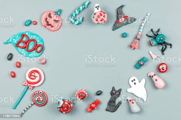 Halloween symbols frame with decorations in grey green red colors picture id1180175342?b=1&k=6&m=1180175342&s=612x612&h=3mqgcd6yrnzxqixdghk ti7ucz k4lbugwqblrrldrq=