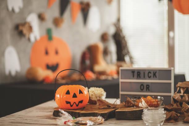 halloween tema - halloween fotografías e imágenes de stock