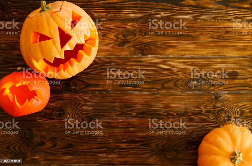 Halloween Thema.Halloween Thema Afbeelding Met Gesneden Pompoenen In Huis