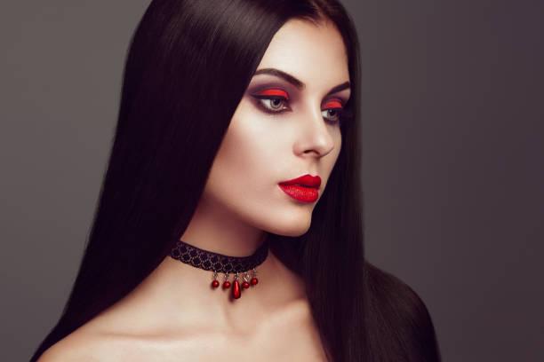 halloween vampir frau porträt - teufel schminken stock-fotos und bilder