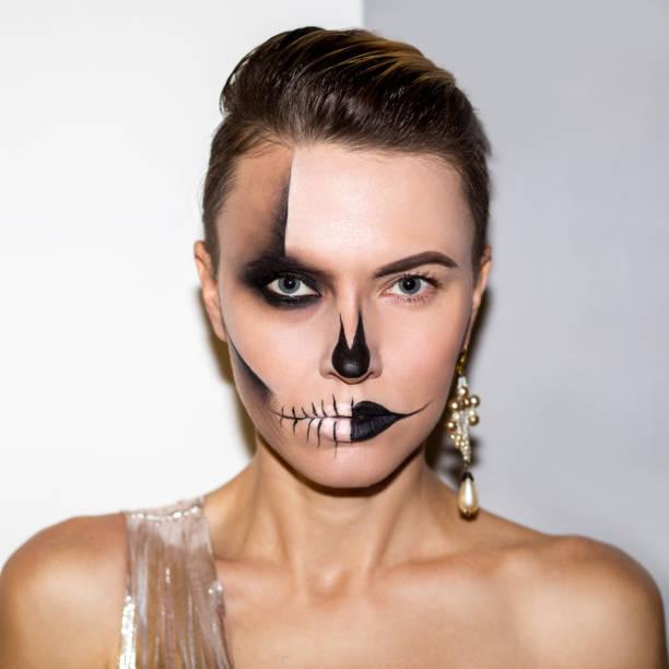 halloween frau - teufel schminken stock-fotos und bilder