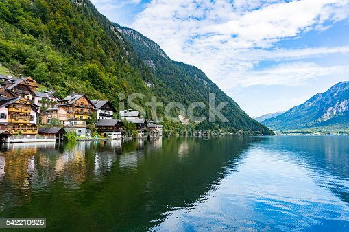 872969580istockphoto Hallstatt town and Hallstatt lake 542210826