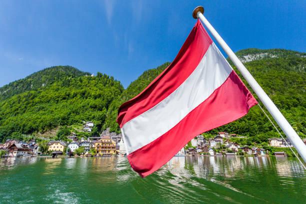 hallstatt village och hallstatter see lake i österrike - österrike bildbanksfoton och bilder