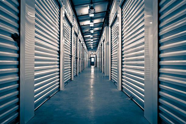 Couloir d'espace de stockage - Photo