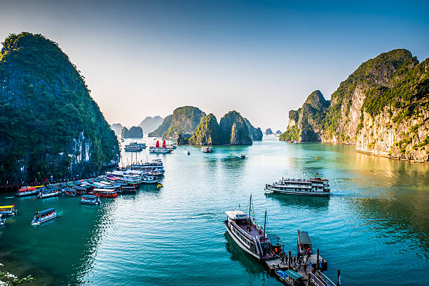 halong bay vietnam - bay of water stock pictures, royalty-free photos & images