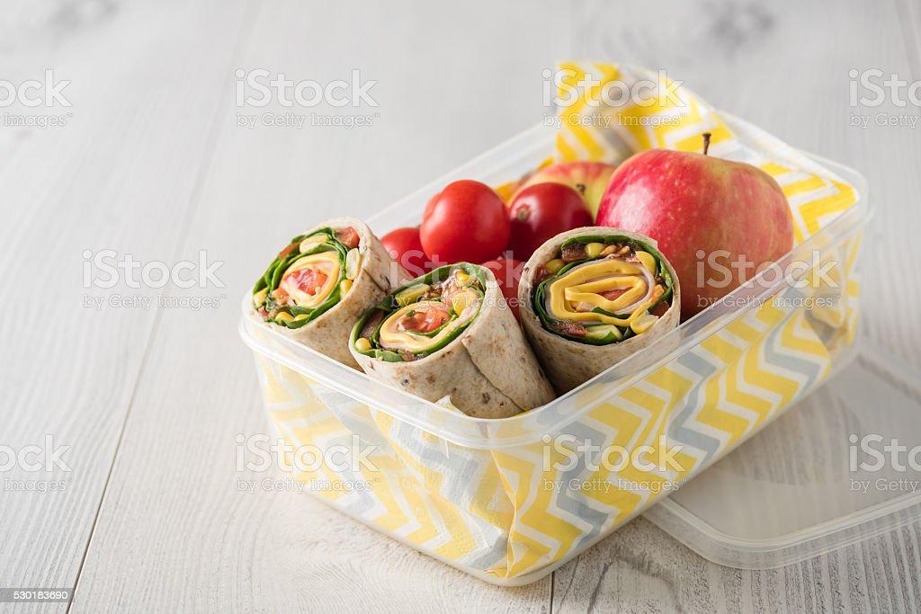 Schinken und Käse-wraps mit Lunchpaket – Foto