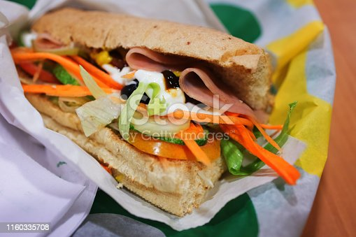 Ham and vegetable with whole wheat bread sandwich