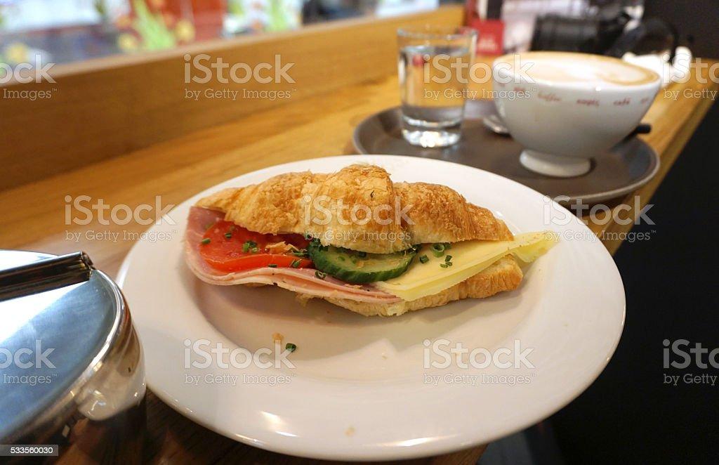 sandwich jambon fromage Croissant - Photo