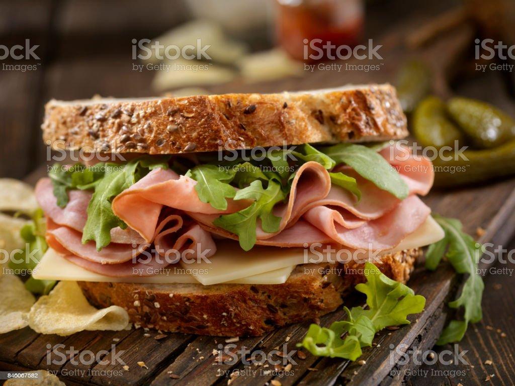 Schinken, Schweizer und Rucola Sandwich – Foto