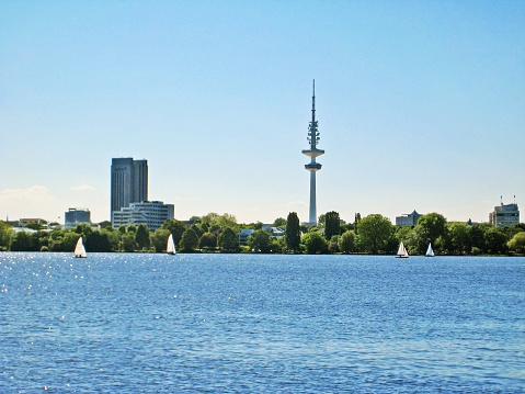 Hamburg Aussenalster / Alster with city skyline