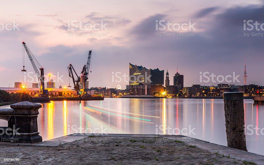Hamburg Sehenswürdigkeiten - Lizenzfrei Abenddämmerung Stock-Foto
