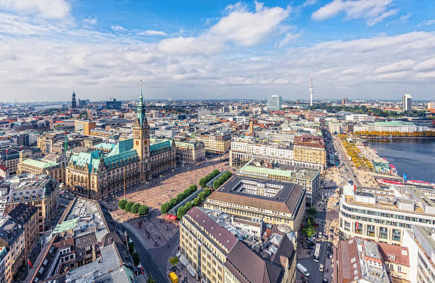 hamburg - berliner fernsehturm stock-fotos und bilder