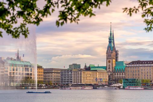 Hamburg Town hall, Alster Lake
