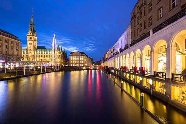 Hamburg town hall in der Weihnachtszeit – Foto