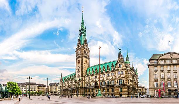 Hamburg town hall at market square in Old quarter, Deutschland – Foto