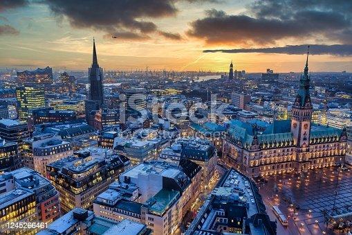 istock Hamburg_Dusk 1245266461