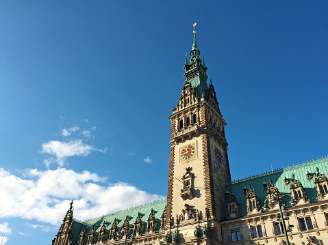 Hamburger Rathaus - Mobilestock image