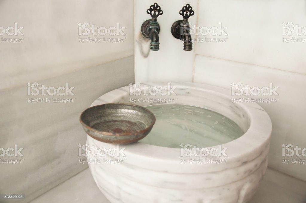 Hammam Spa Interieur Porzellan Waschbecken Und Wasserhahn An Der