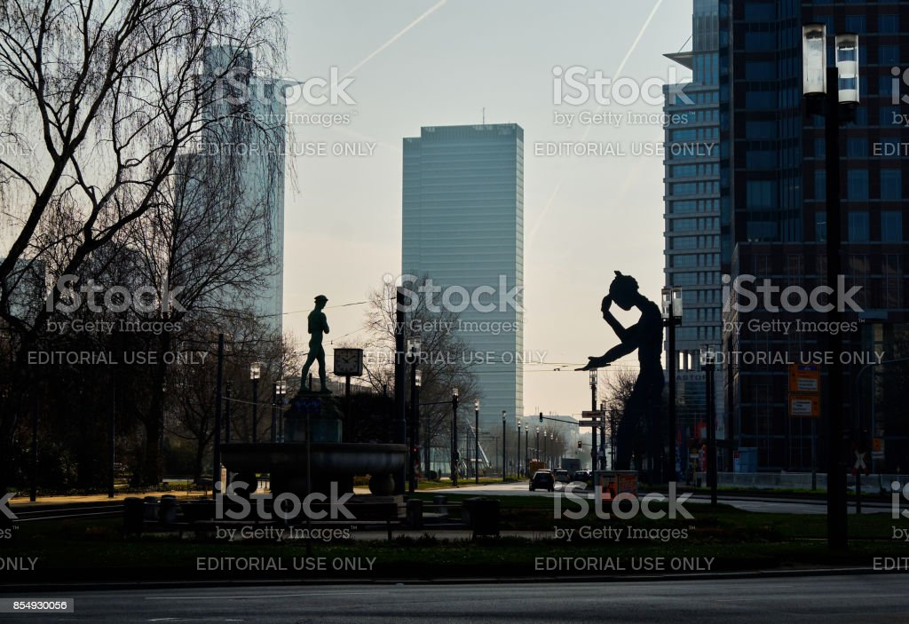 Hammering Man sculpture on Friedrich-Ebert-Anlage stock photo