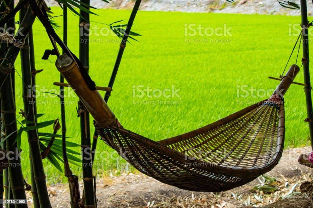 Hängematte Schaukel Made Aus Bambus Im Garten Stockfoto und ...