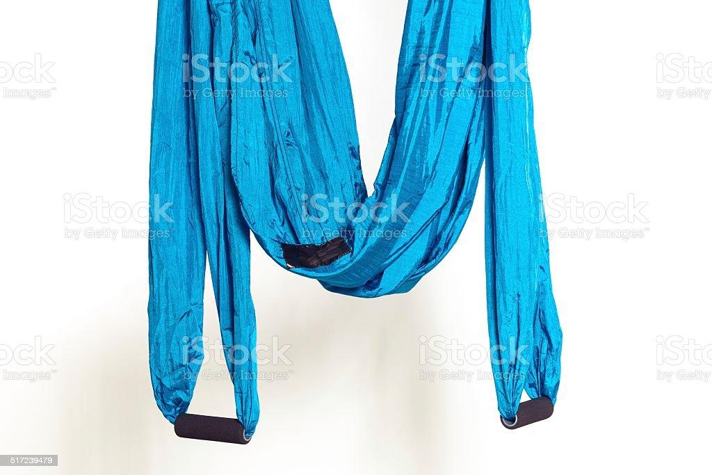 Hamaca con mangos para anti-gravedad ejercicios de yoga - Foto de stock de Azul libre de derechos
