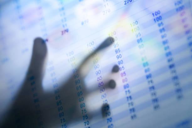 main rétroéclairé à point pour les données de l'écran - Photo