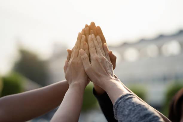 Hand-Collaboration-Teamwork-Konzept – Foto
