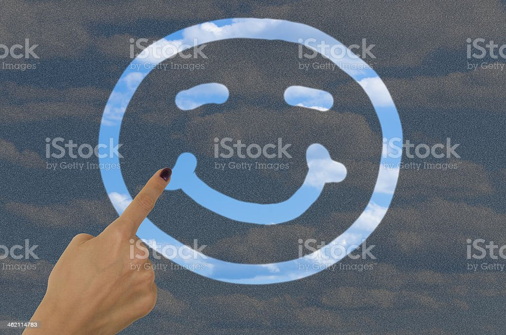 hand-Zeichnung Ein smiley-Gesicht auf schmutzig Fenster – Foto