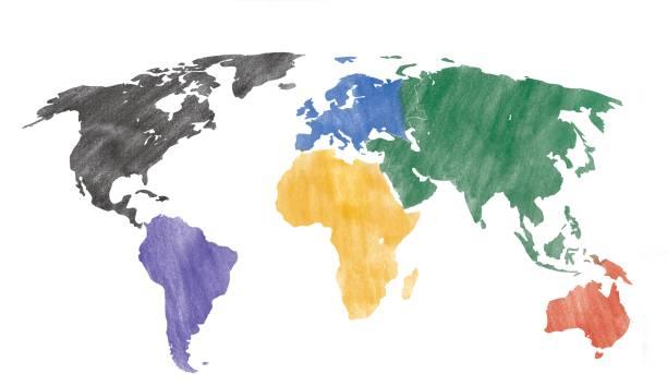 hand gezeichnet aussehen einer weltkarte mit farbigen kontinenten. - landkartenillustrationen stock-fotos und bilder