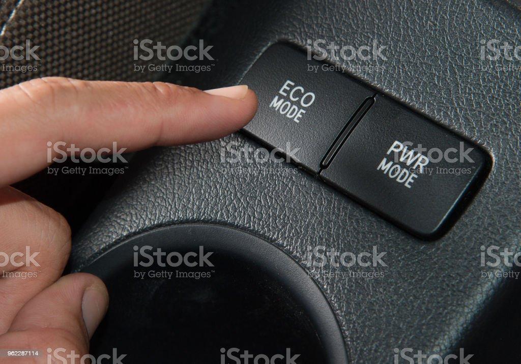 Sie beim Fahren fingern
