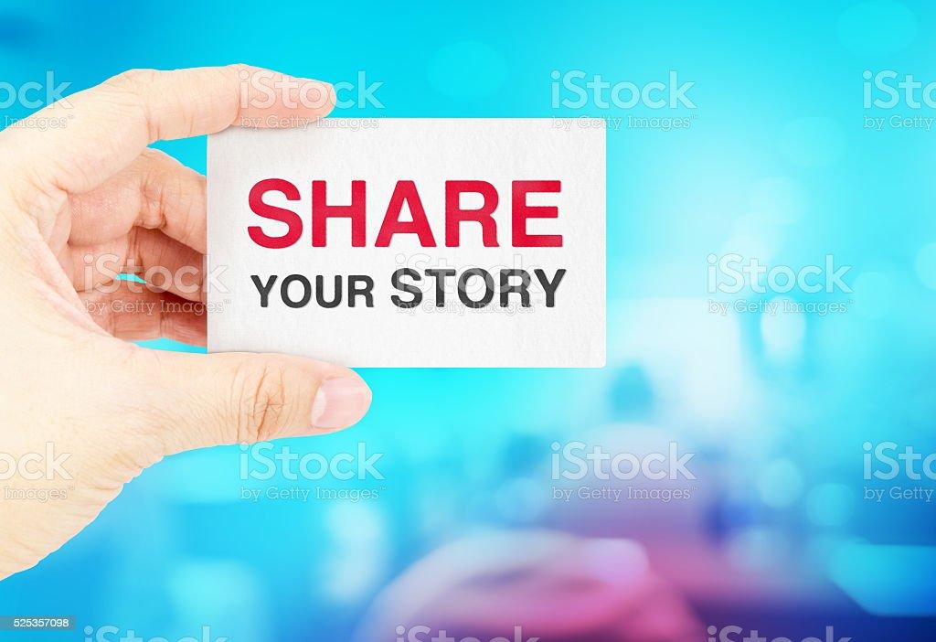 Hand Hält Visitenkarte Mit Teilen Sie Uns Ihre Geschichte