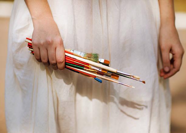 hand hält die brush – Foto