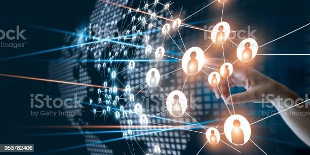 Hand Van Het Aanraken Van De Netwerk Verbinding Maakt De Menselijke Stippen Pictogram Business Project Management De Organisatie En Brainstorm Concept Teamwork Stockfoto en meer beelden van Bedrijfsleven