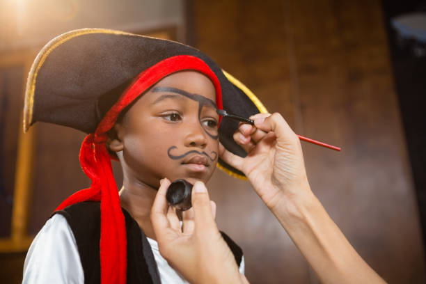 Pirat Schminken Frau Bilder Und Stockfotos Istock