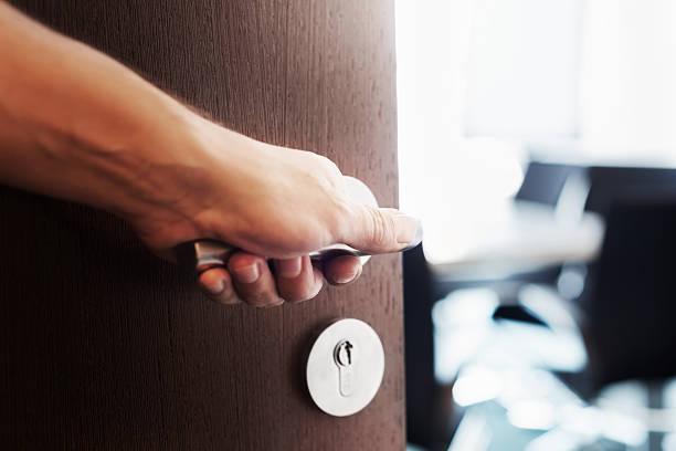 Hand Tür öffnen – Foto