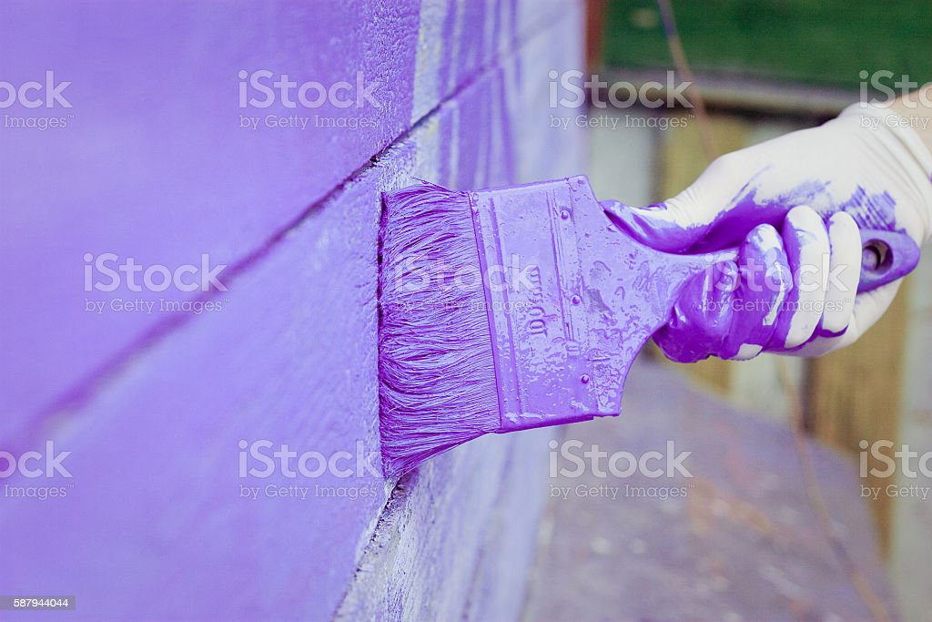 hand painting violet wooden wall – Foto