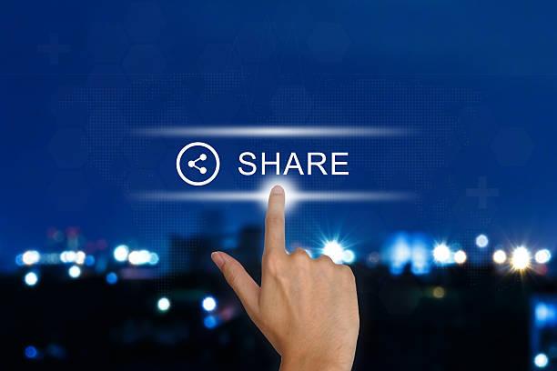 hand Schieben Sie Taste auf touch-screen – Foto