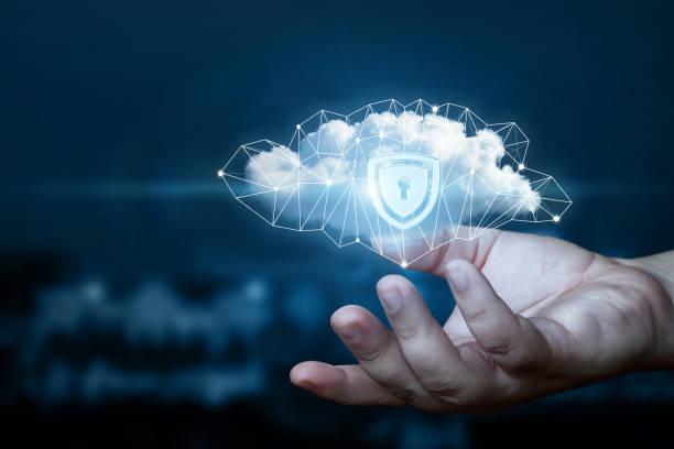 Aiguille affiche un nuage de données avec un bouclier de protection. - Photo