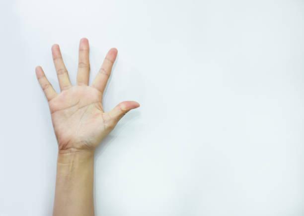 signe de main sens numéro cinq - membres du corps humain photos et images de collection